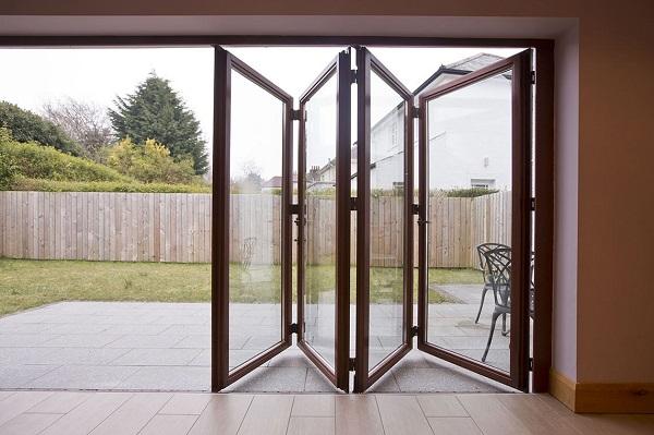 Puertas plegables soluciones para abrir e incorporar - Cristaleras plegables ...
